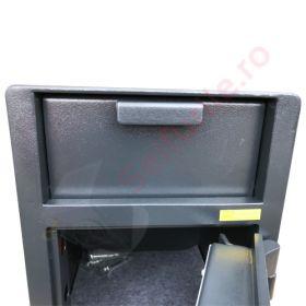 Casa de bani tip seif cu fanta cu cheie sau blocare electronica Omega Deposit CHUBB 22